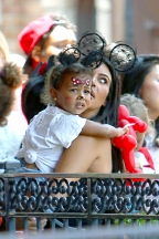 North West Goes Against Kim's Will & Picks Out Her Own Outfit, Kourtney & The Kids Have A Pajama Party
