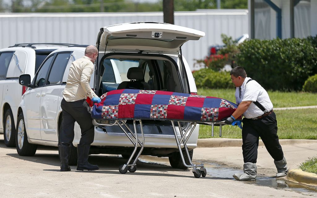 Several bodies found in vacant Fort Worth mortuary