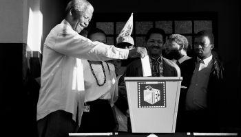 Nelson Mandela Voting, 1994