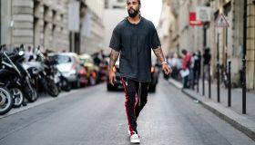 Street Style - Paris Fashion Week - Menswear Spring/Summer 2018 : Day One